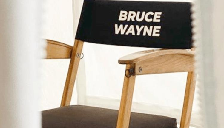 """The Flash the movie: Andy y Barbara Muschietti adelantan dos """"Bruce Wayne"""" (fotos)"""