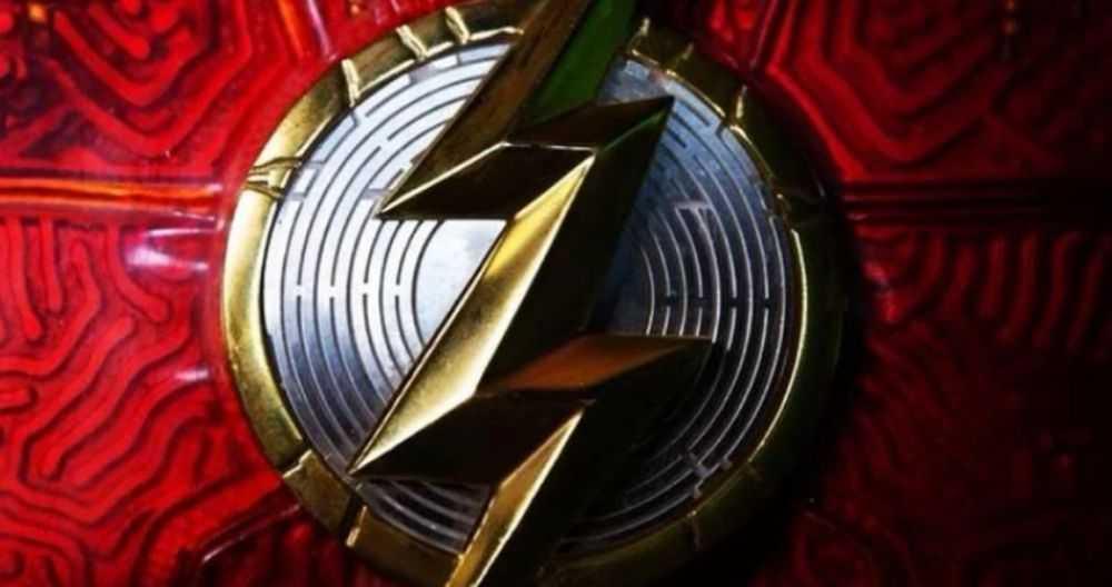 The Flash the movie: el director se burla del nuevo disfraz de Barry en imágenes