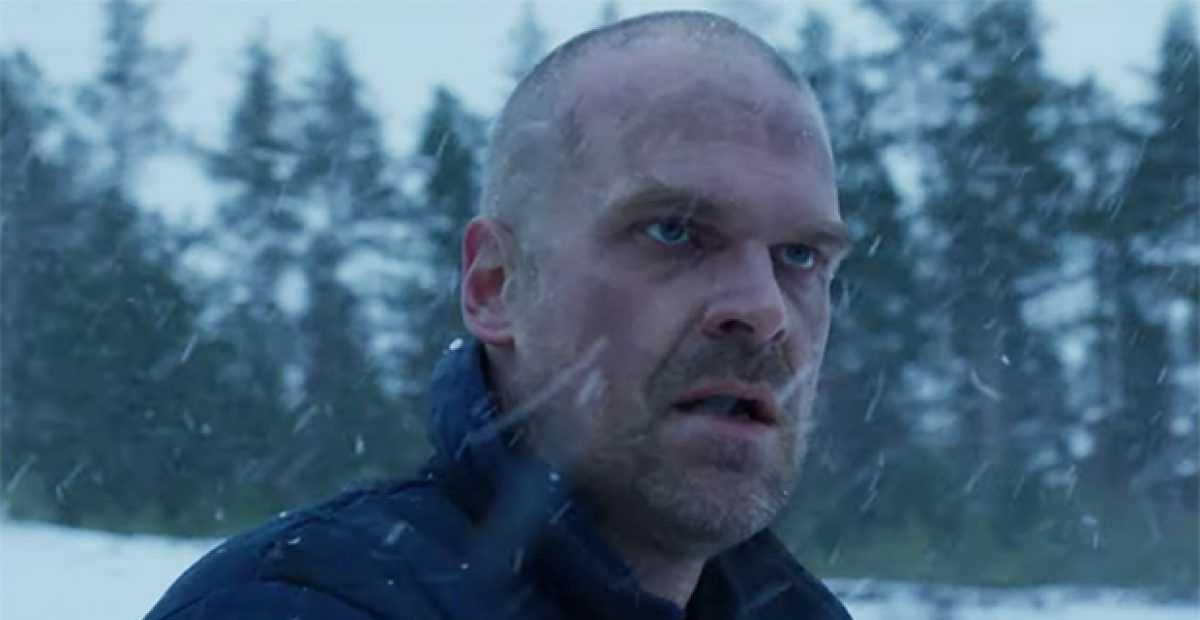 """Stranger Things temporada 4: David Harbour se burla de una temporada """"más grande"""" y """"un renacimiento"""" para Hopper"""