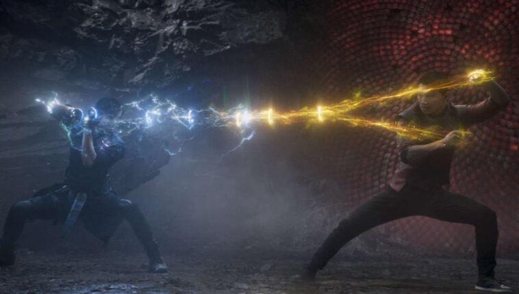 Shang-Chi: Los Diez Anillos son más fuertes que Thor y Hulk (avance)